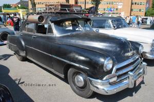 Alter Chevy mit Aircondition aus dem Zubehör