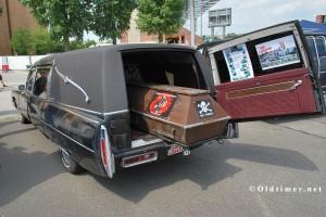 Cadiallac Leichenwagen mit Ladung